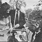 Harry Booth and Wim Sonneveld in Op de Hollandse toer (1973)