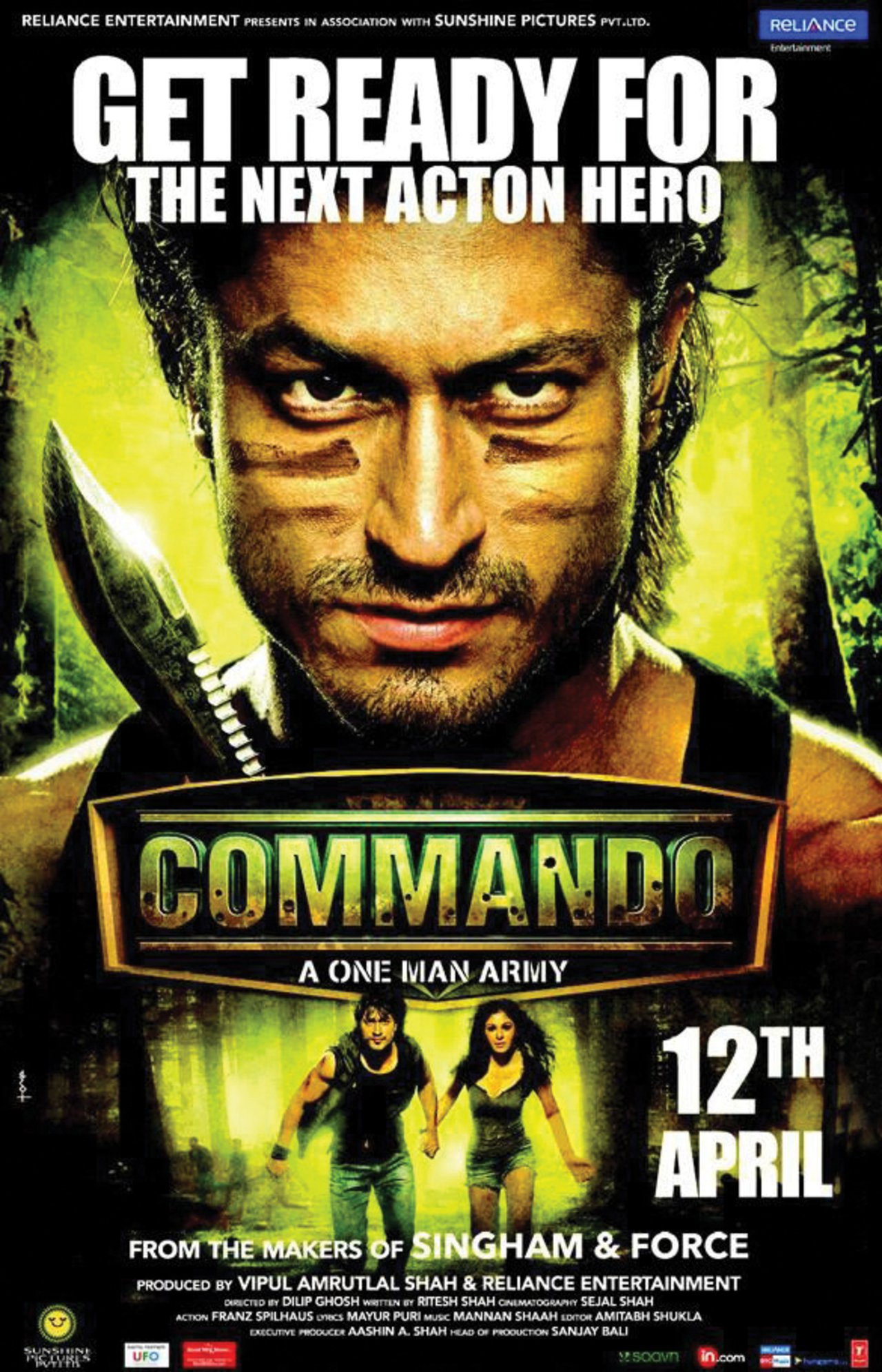 Commando (2013) Hindi 300MB BluRay 480p ESubs