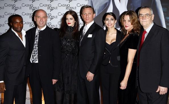 Barbara Broccoli, Martin Campbell, Daniel Craig, Michael G. Wilson, Caterina Murino, Eva Green, and Sebastien Foucan at an event for Casino Royale (2006)