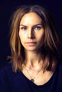 Nina Persson Picture