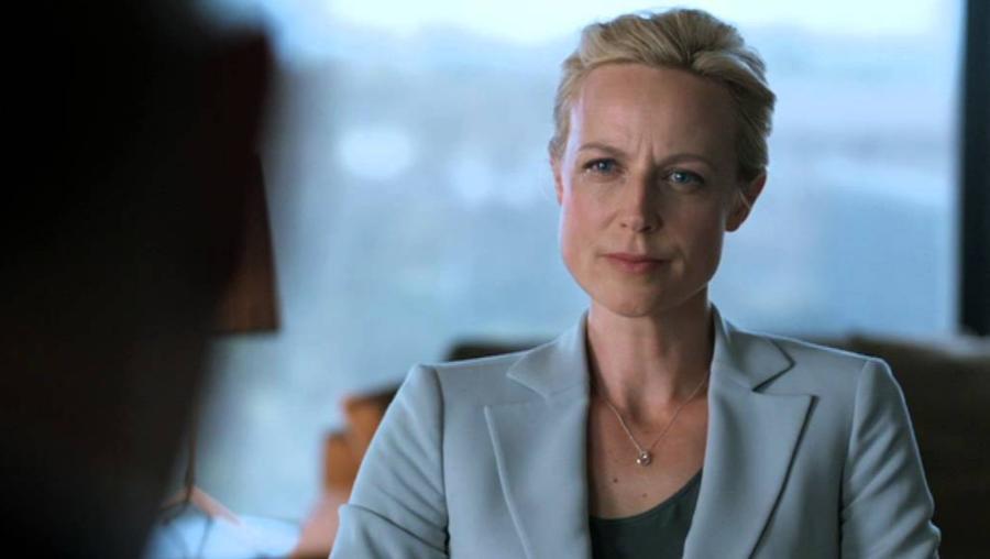 Janet King, η κατήγορος