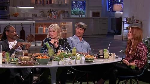 MARTHA & SNOOP'S POTLUCK DINNER PARTY: Munchie Snackdown