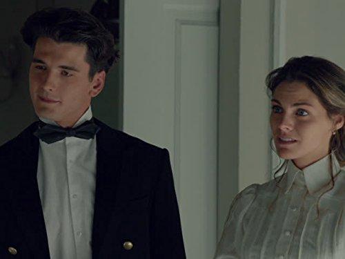 Yon González and Amaia Salamanca in Gran Hotel (2011)