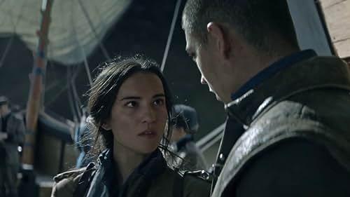 Shadow And Bone: Season 1 (French Trailer 1)