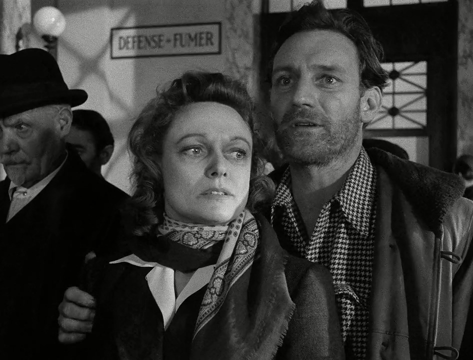 Trevor Howard and Anna Neagle in Odette (1950)