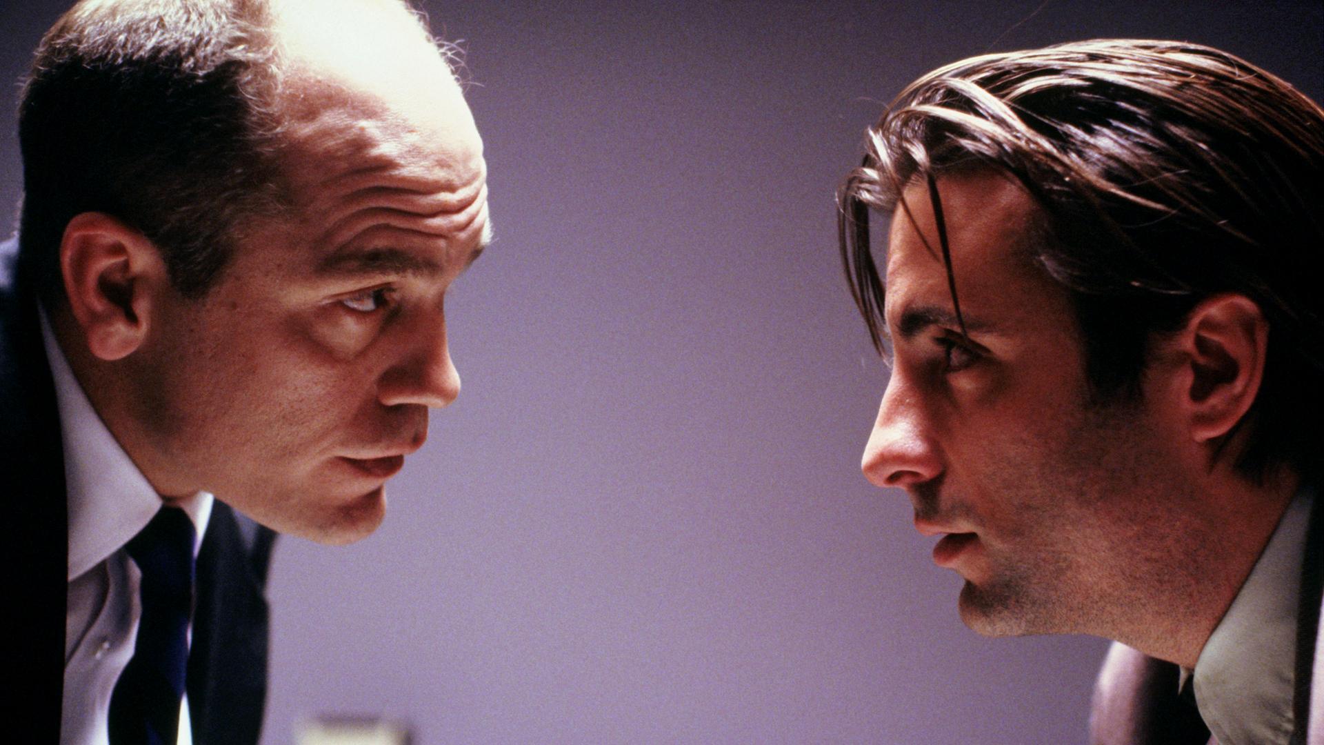 Andy Garcia and John Malkovich in Jennifer Eight (1992)