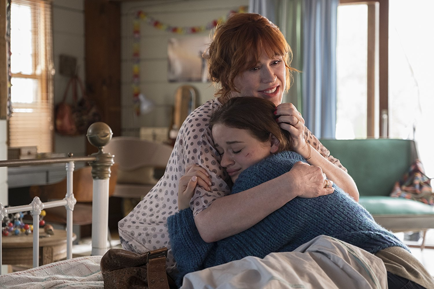 Molly Ringwald and Joey King in The Kissing Booth (2018)