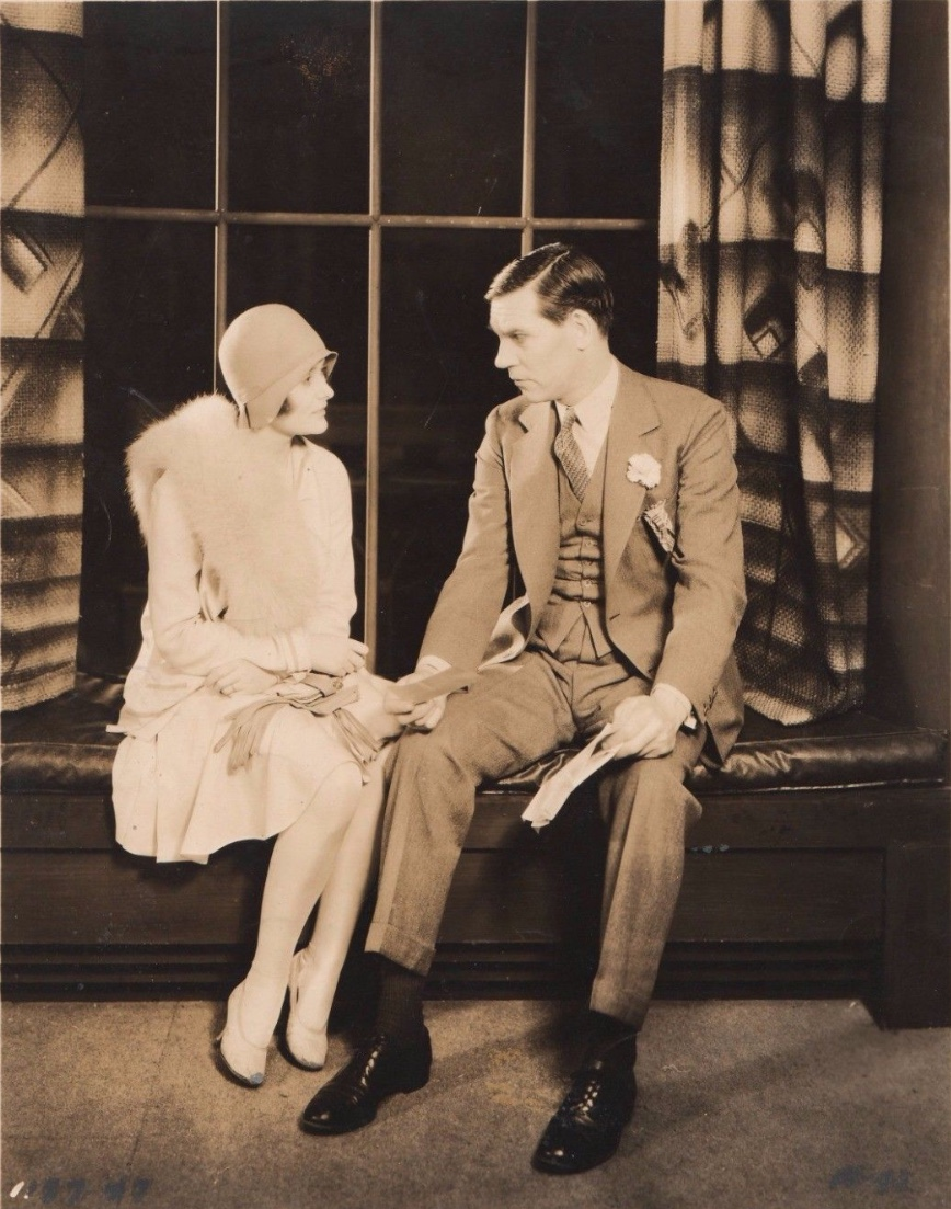 Walter Huston and Betty Lawford in Gentlemen of the Press (1929)