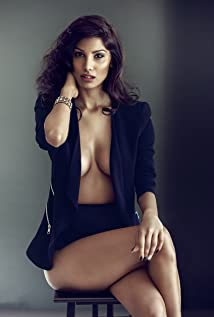 Nicole Faria Picture