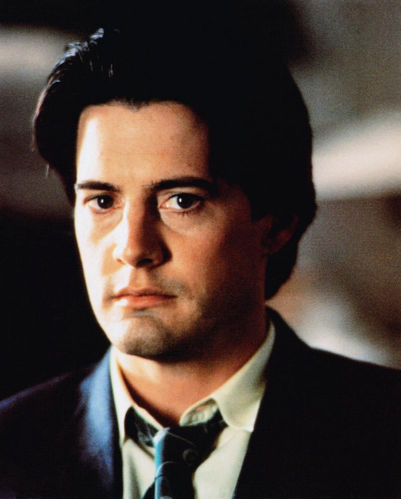 Kyle MacLachlan in Don't Tell Her It's Me (1990)