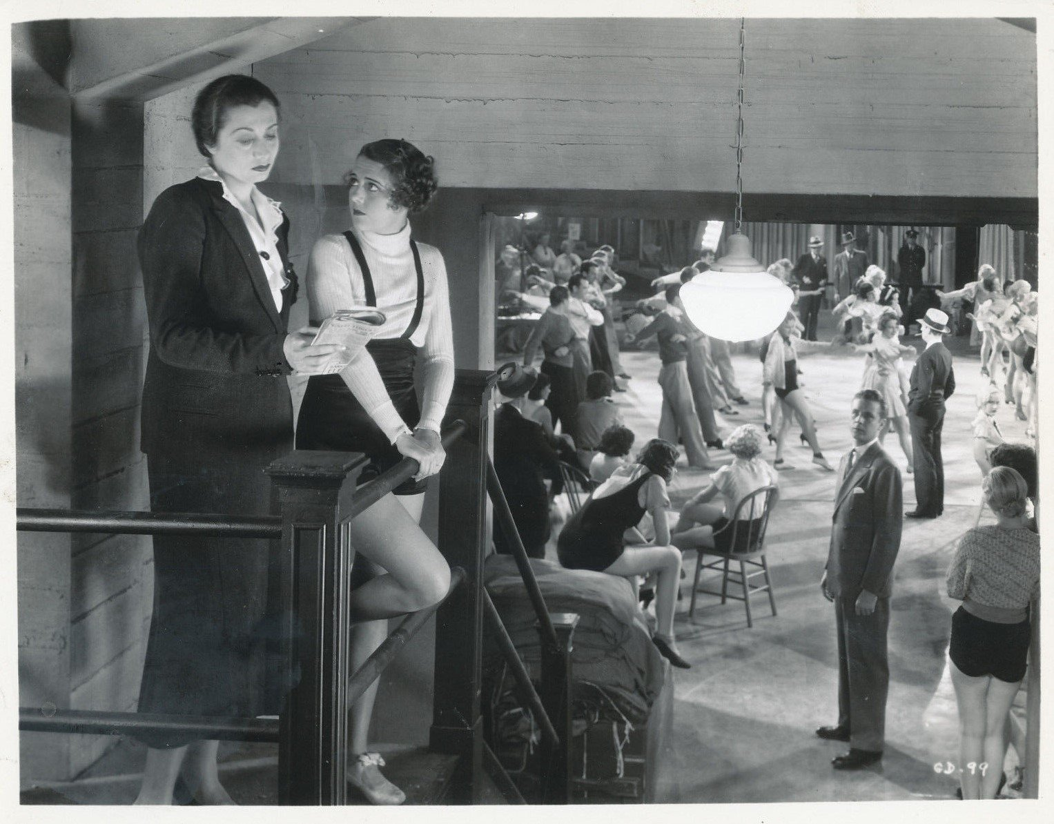 Loretta Andrews, Monica Bannister, Bonnie Bannon, Joan Barclay, Audrene Brier, Lynn Browning, Edna Callahan, Maxine Cantway, Dorothy Coonan Wellman, Ruby Keeler, Aline MacMahon, Dick Powell, Ned Sparks, Anita Thompson, Dorothy White, and Millie Walters in Gold Diggers of 1933 (1933)