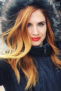 Zoe Simone De Fino Picture