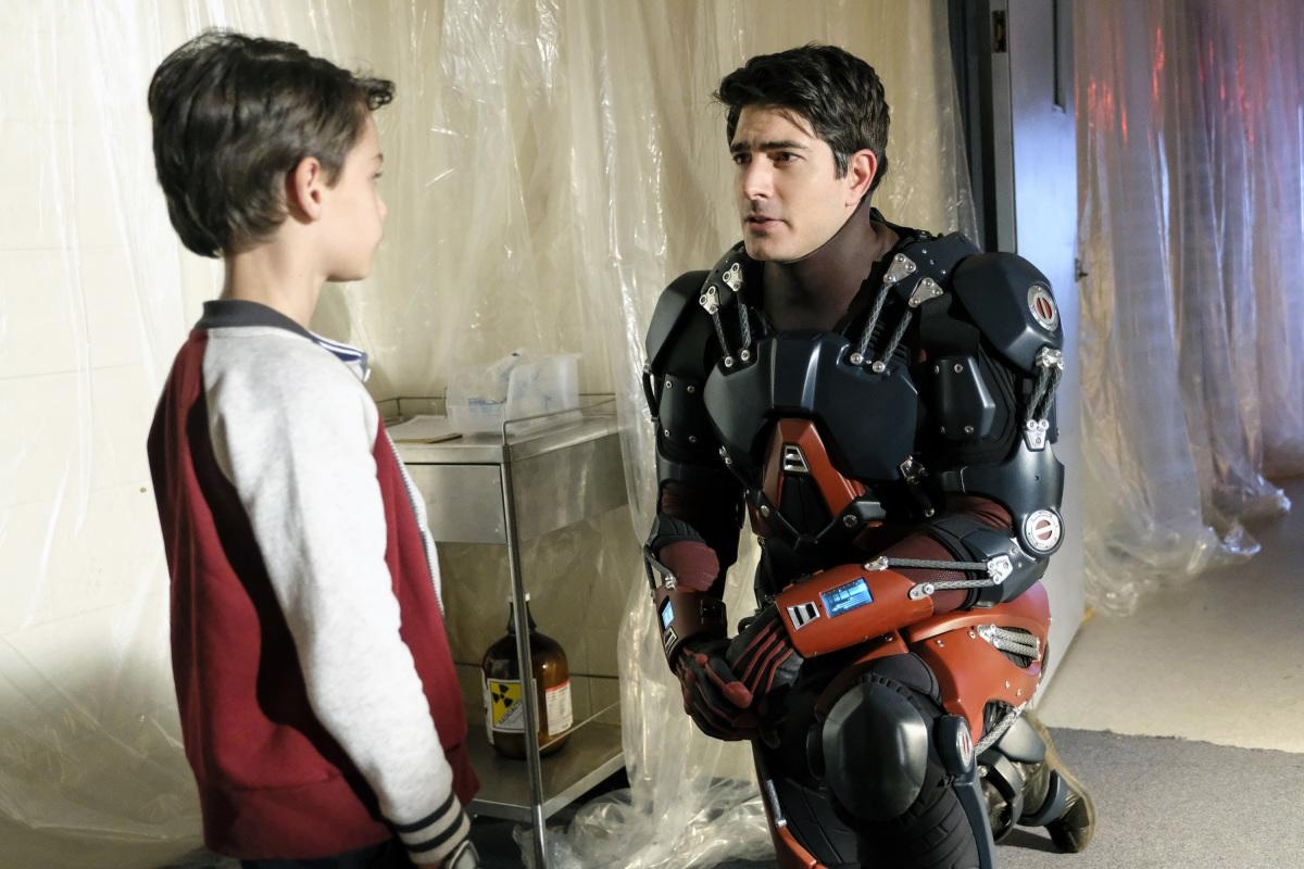 Brandon Routh and Jack Fisher in Legends of Tomorrow (2016)