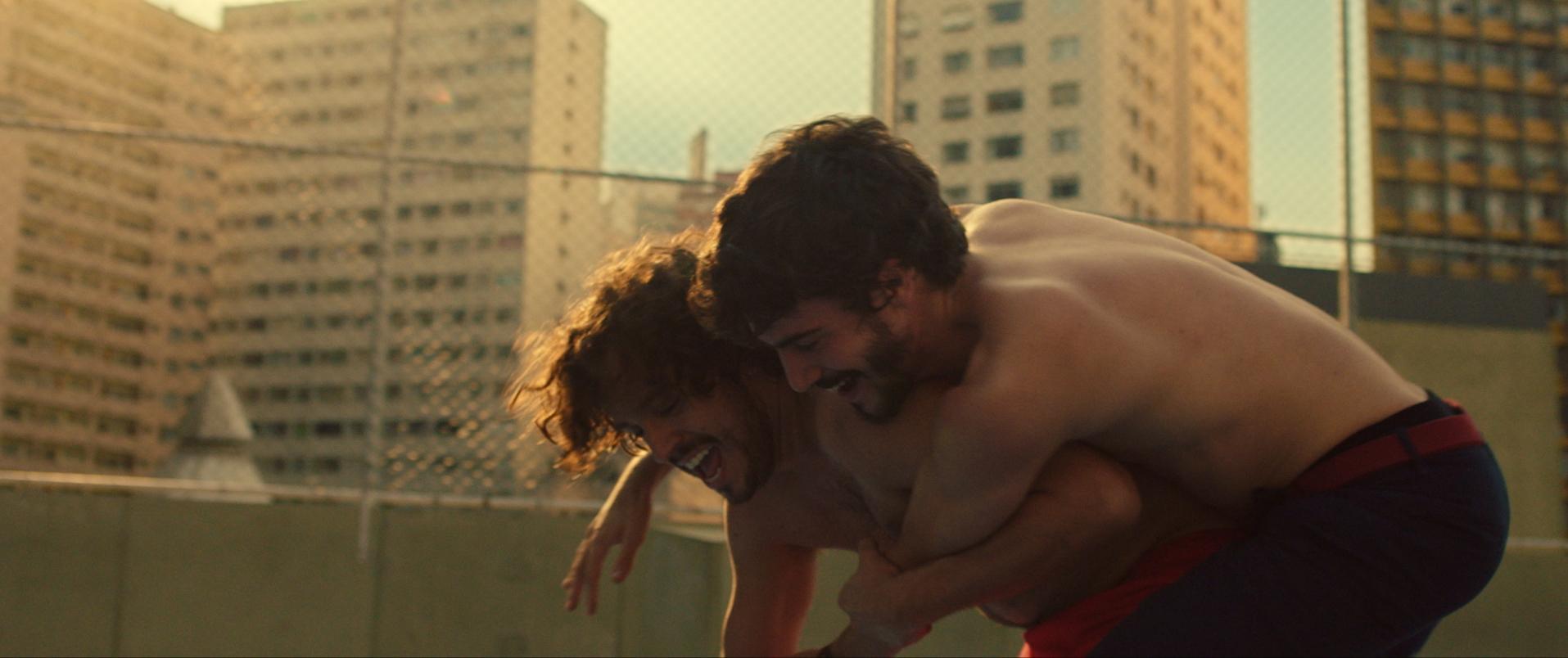 Victor Mendes and Caio Horowicz in Música para Morrer de Amor (2019)