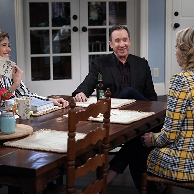 Tim Allen, Nancy Travis, and Molly McCook in Last Man Standing (2011)