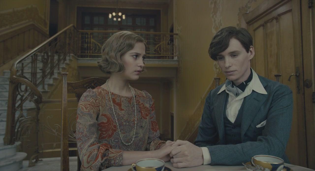 Eddie Redmayne dan Alicia Vikander dalam The Danish Girl (2015)