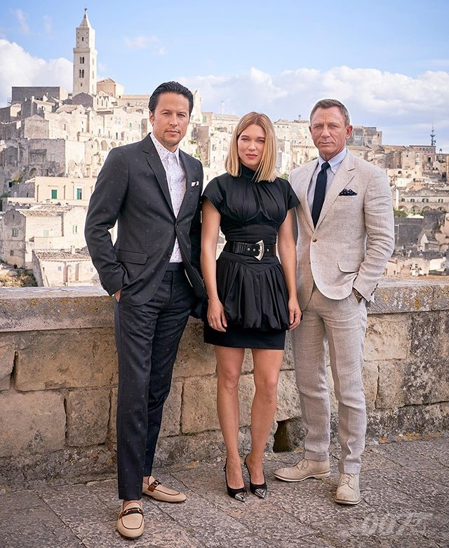 Daniel Craig, Cary Joji Fukunaga, and Léa Seydoux at an event for No Time to Die (2021)