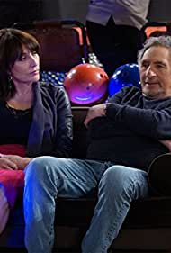 Judd Hirsch and Katey Sagal in Superior Donuts (2017)