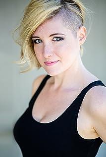 Nikki Wallin Picture