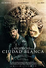 Belén Rueda and Javier Rey in El silencio de la ciudad blanca (2019)