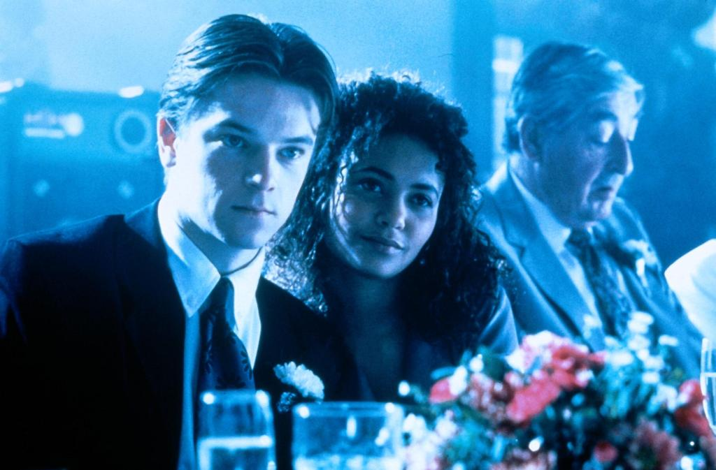 Craig Kelly and Thandie Newton in The Young Americans (1993)
