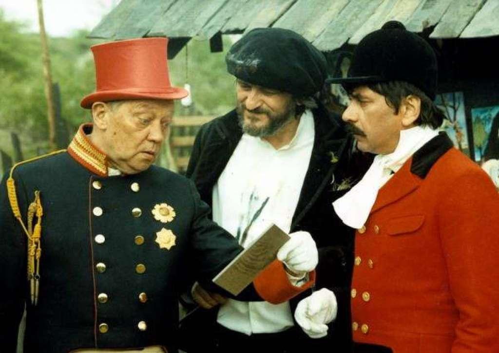Petr Cepek, Rudolf Hrusínský, and Milan Lasica in Tri veteráni (1984)