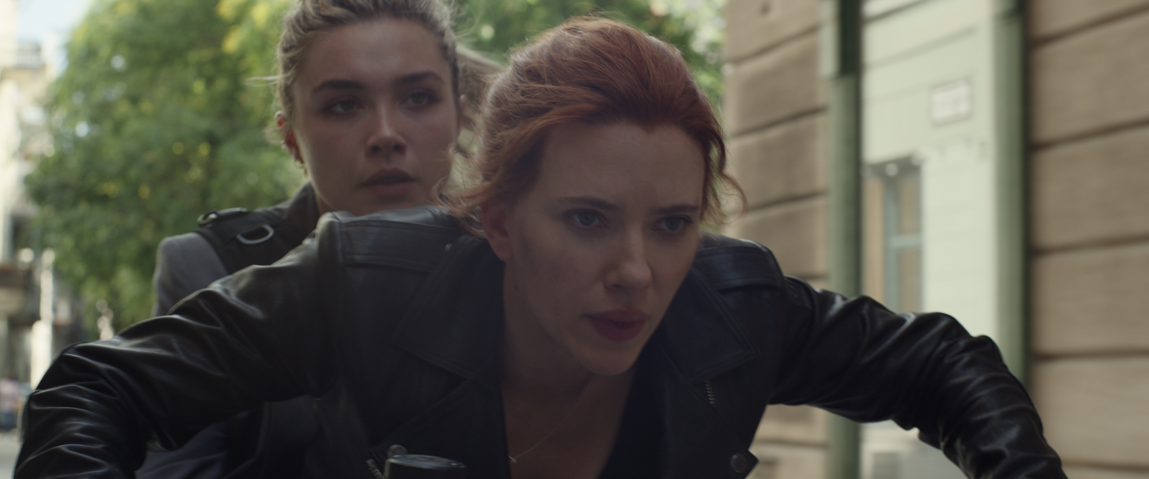 Scarlett Johansson and Florence Pugh in Black Widow (2021)