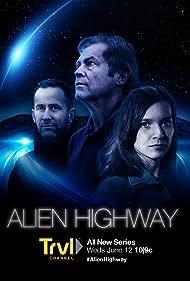 Daniel Zukowski, Heather Taddy, and Chuck Zukowski in Alien Highway (2019)