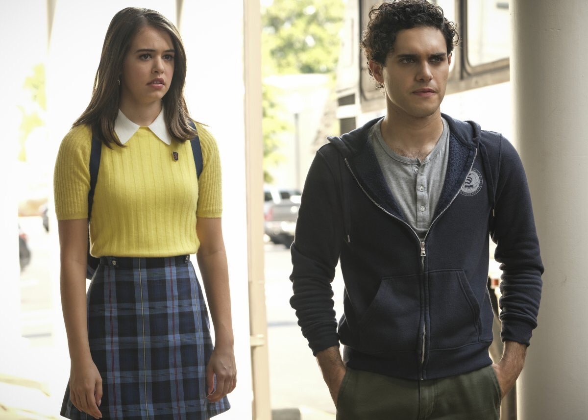 Legacies: triângulo amoroso sofre reviravolta no episódio 2x07 (trailer e fotos)