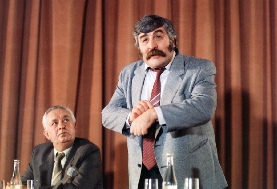 Július Satinský in Krecek v nocní kosili (1988)