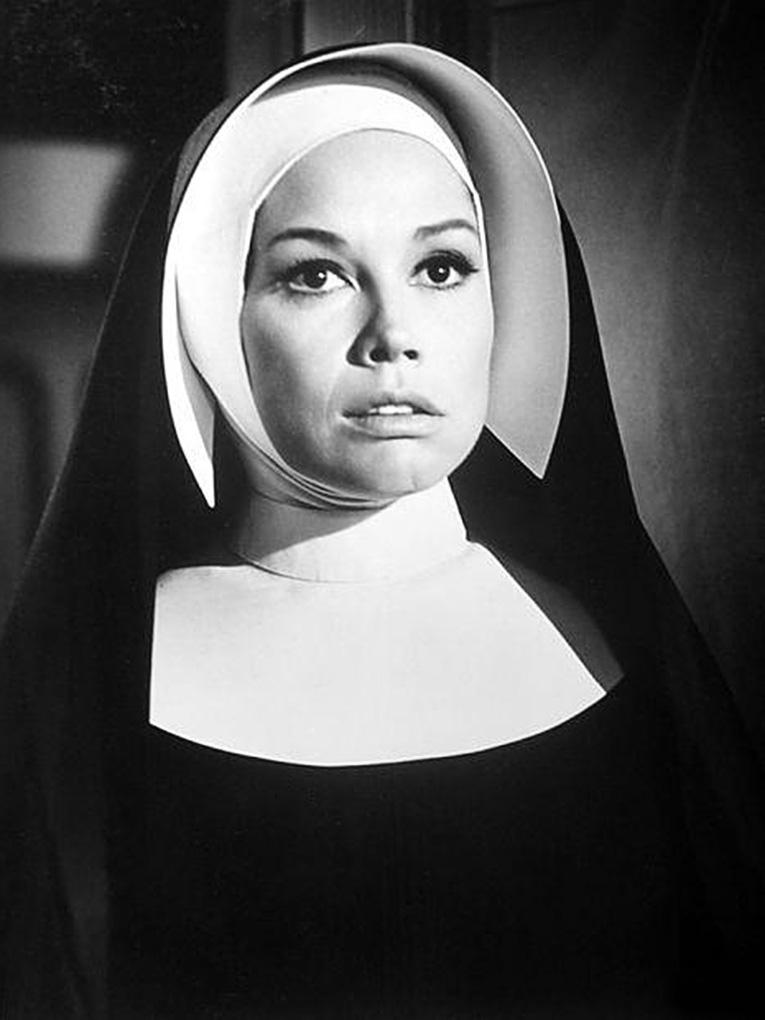 Mary Tyler Moore in Change of Habit (1969)