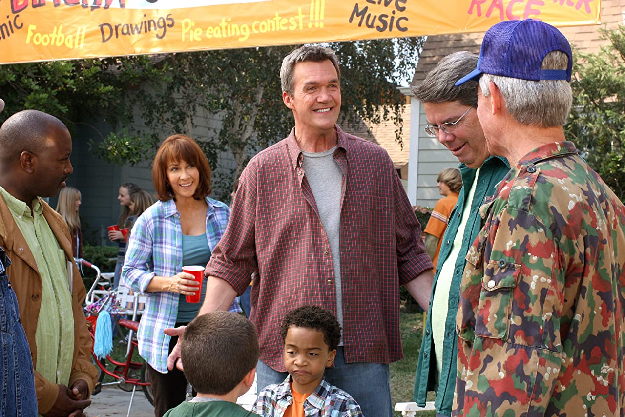 The Middle (Una Familia Modelo) 1×05 – La fiesta del barrio
