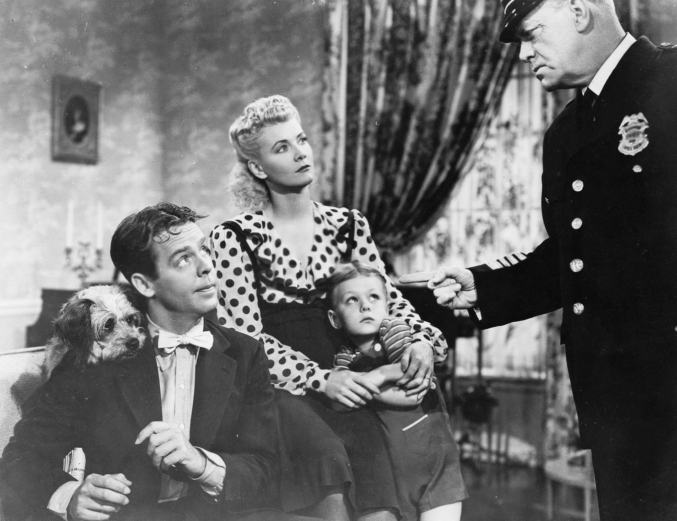 Cliff Clark, Arthur Lake, Larry Simms, and Penny Singleton in Blondie in Society (1941)