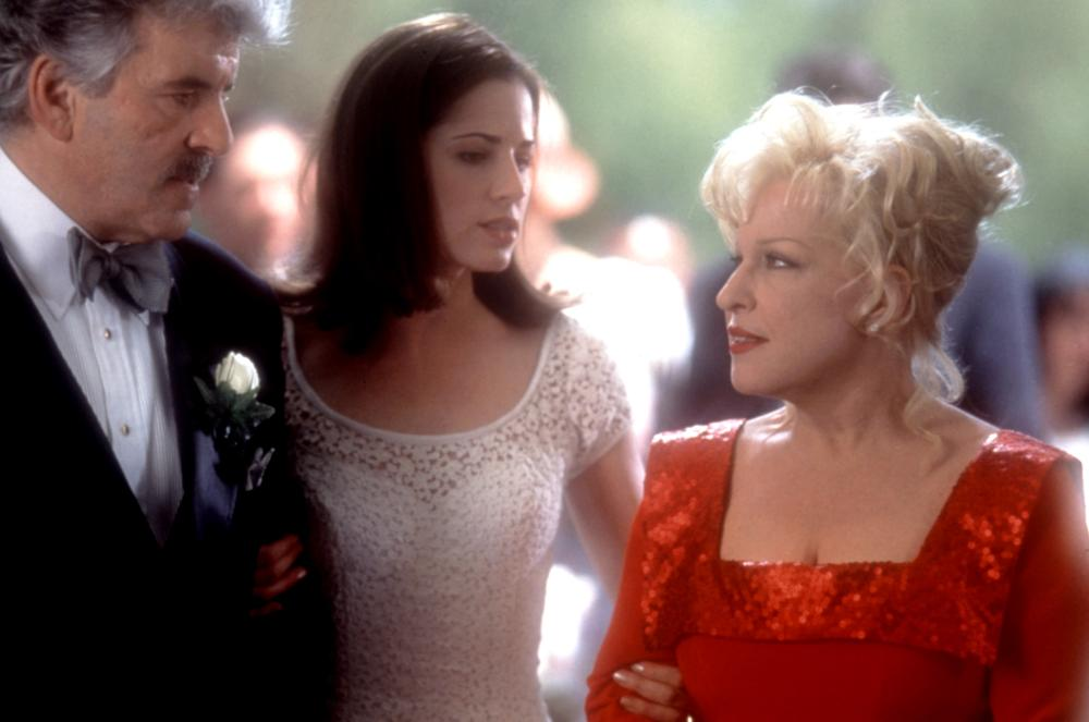 Bette Midler, Dennis Farina, and Paula Marshall in That Old Feeling (1997)
