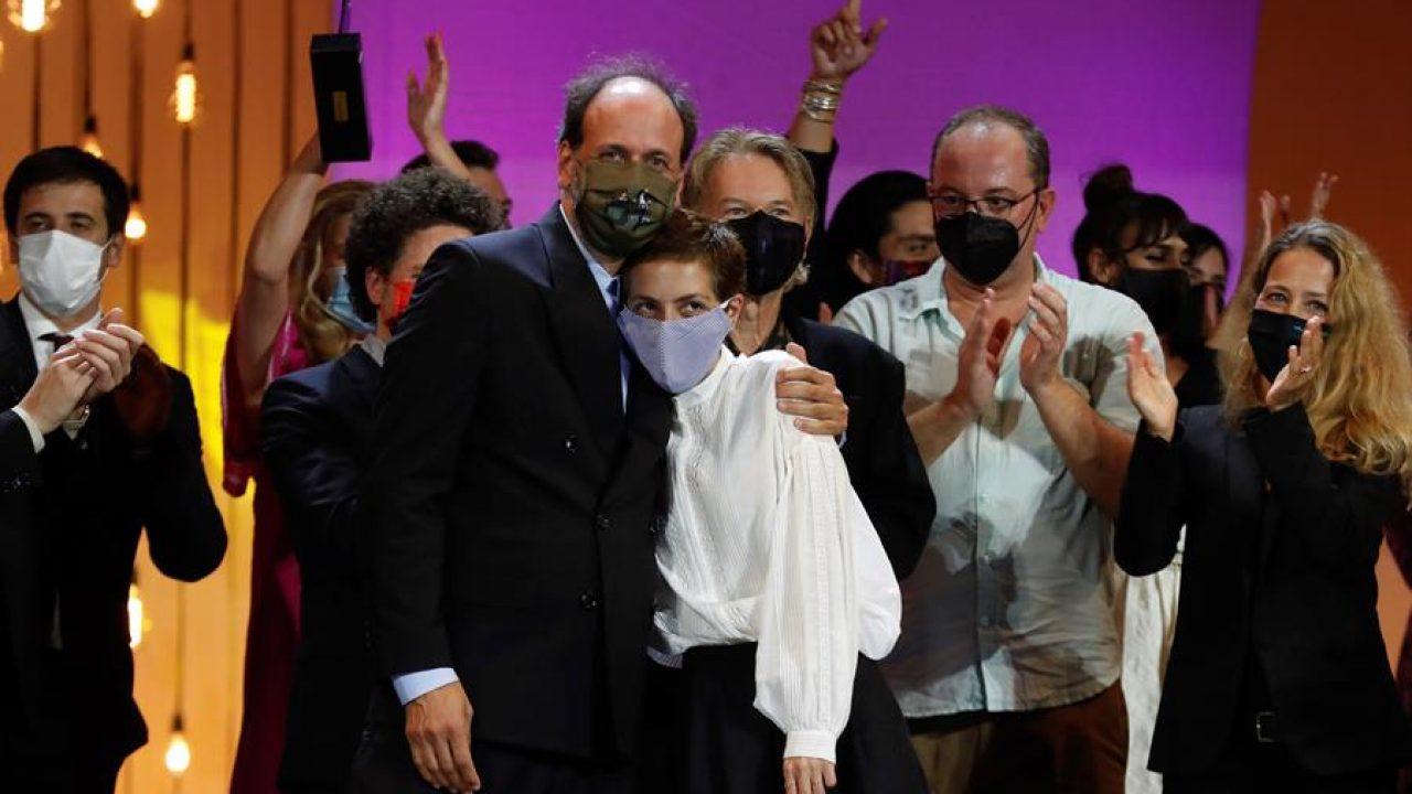 Luca Guadagnino and Dea Kulumbegashvili in Festival de cine de San Sebastián 2020 - Gala de clausura (2020)
