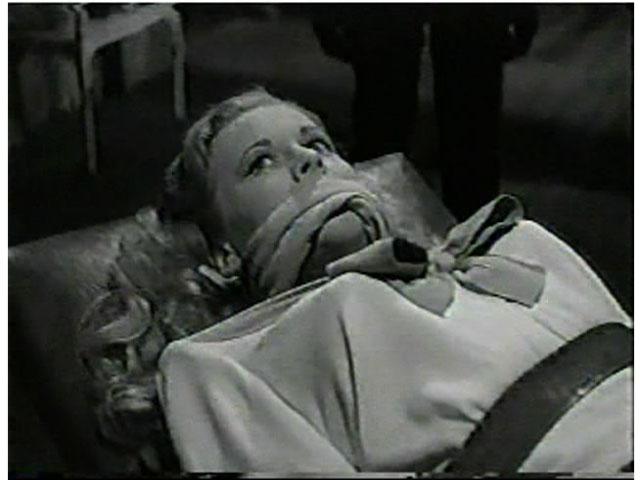 Anne Jeffreys in Zombies on Broadway (1945)