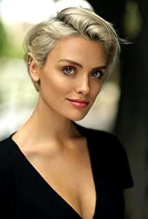 Wallis Day Picture