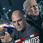 Bruce Willis and Michael Chiklis in 10 Minutes Gone (2019)