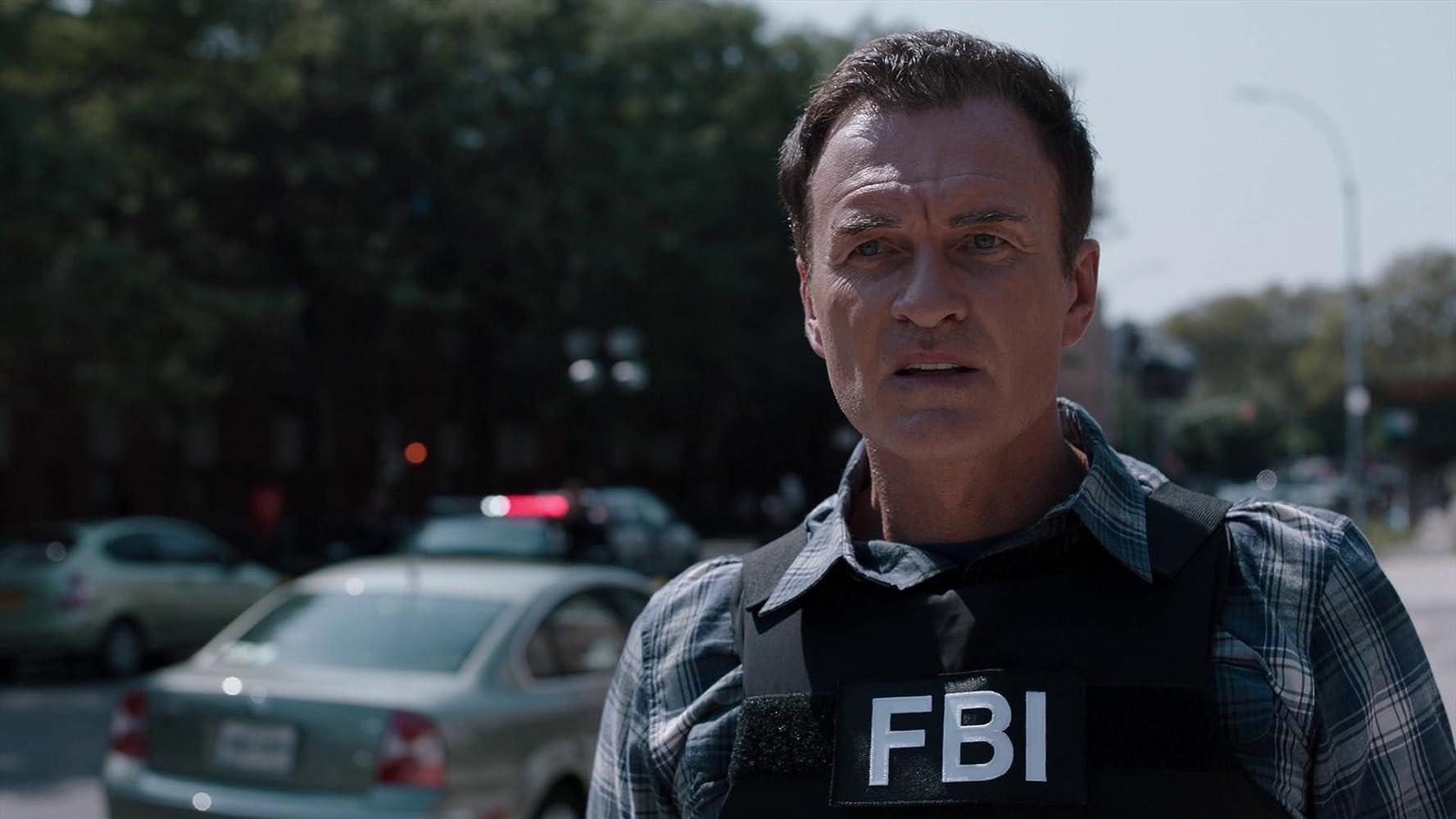 Julian McMahon in Defender (2020)