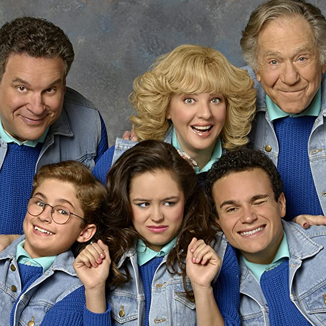 George Segal, Jeff Garlin, Wendi McLendon-Covey, Bob D'Amico, Troy Gentile, Hayley Orrantia, and Sean Giambrone at an event for The Goldbergs (2013)