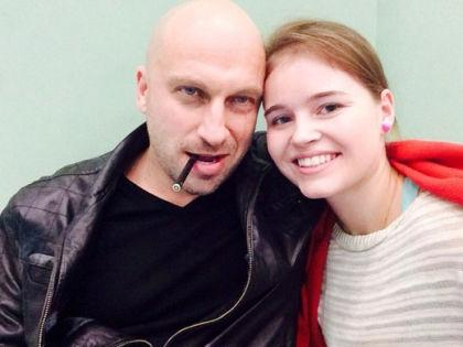 Dmitriy Nagiev and Polina Grents in Fizruk (2014)