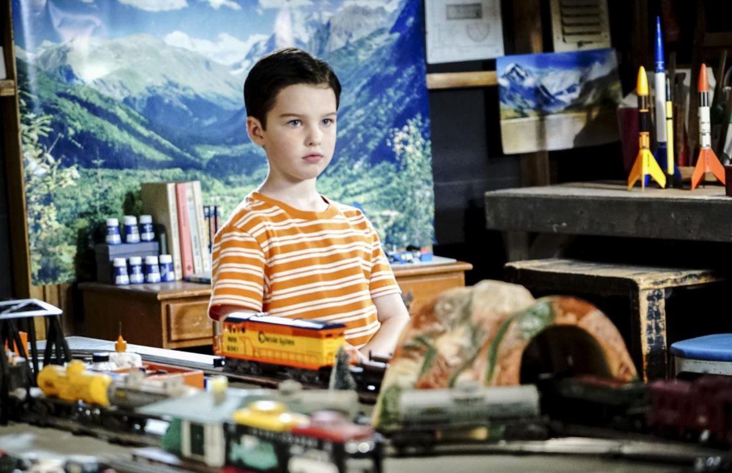 Joven Sheldon 1×10 – Una pluma de águila, una judía verde y un esquimal