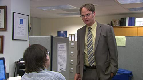 The Office: Dwight Convinces Clark To Pose
