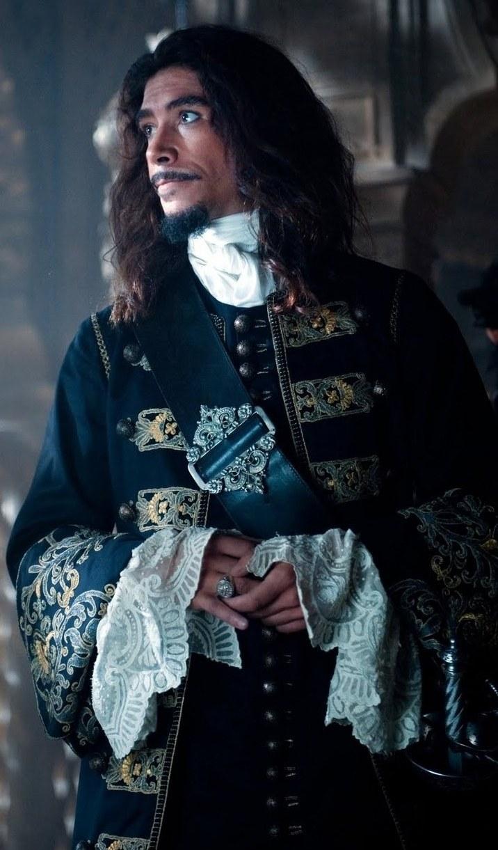 Óscar Jaenada in Pirates of the Caribbean: On Stranger Tides (2011)