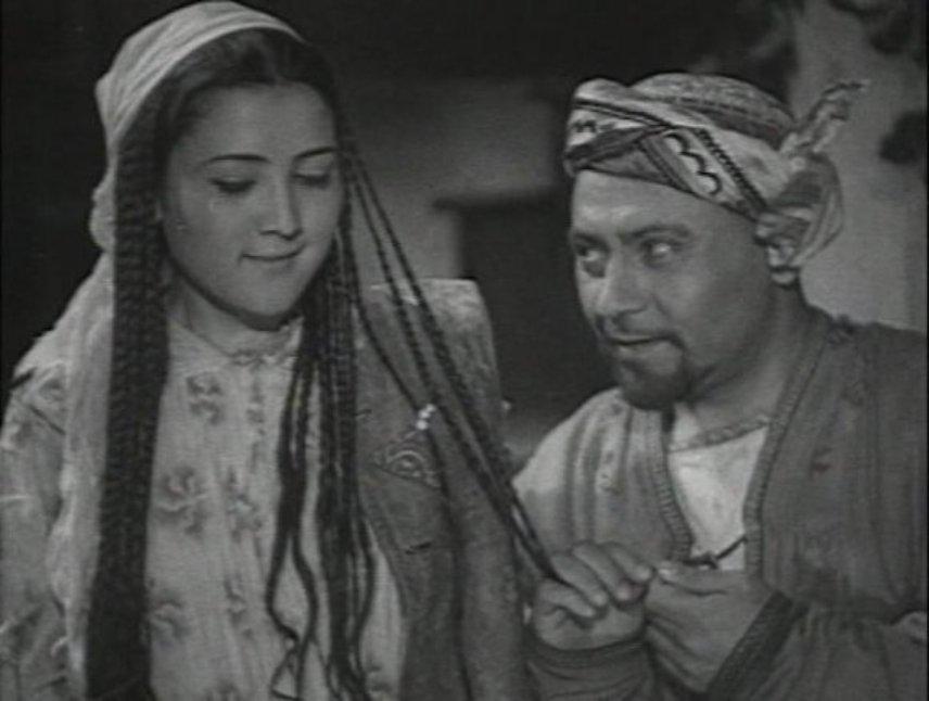 M. Mirzakarimova and Lev Sverdlin in Nasreddin v Bukhare (1943)