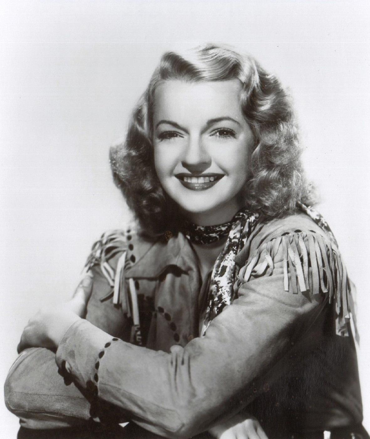 Dale Evans in Under Nevada Skies (1946)