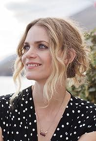 Primary photo for Liv Mjönes