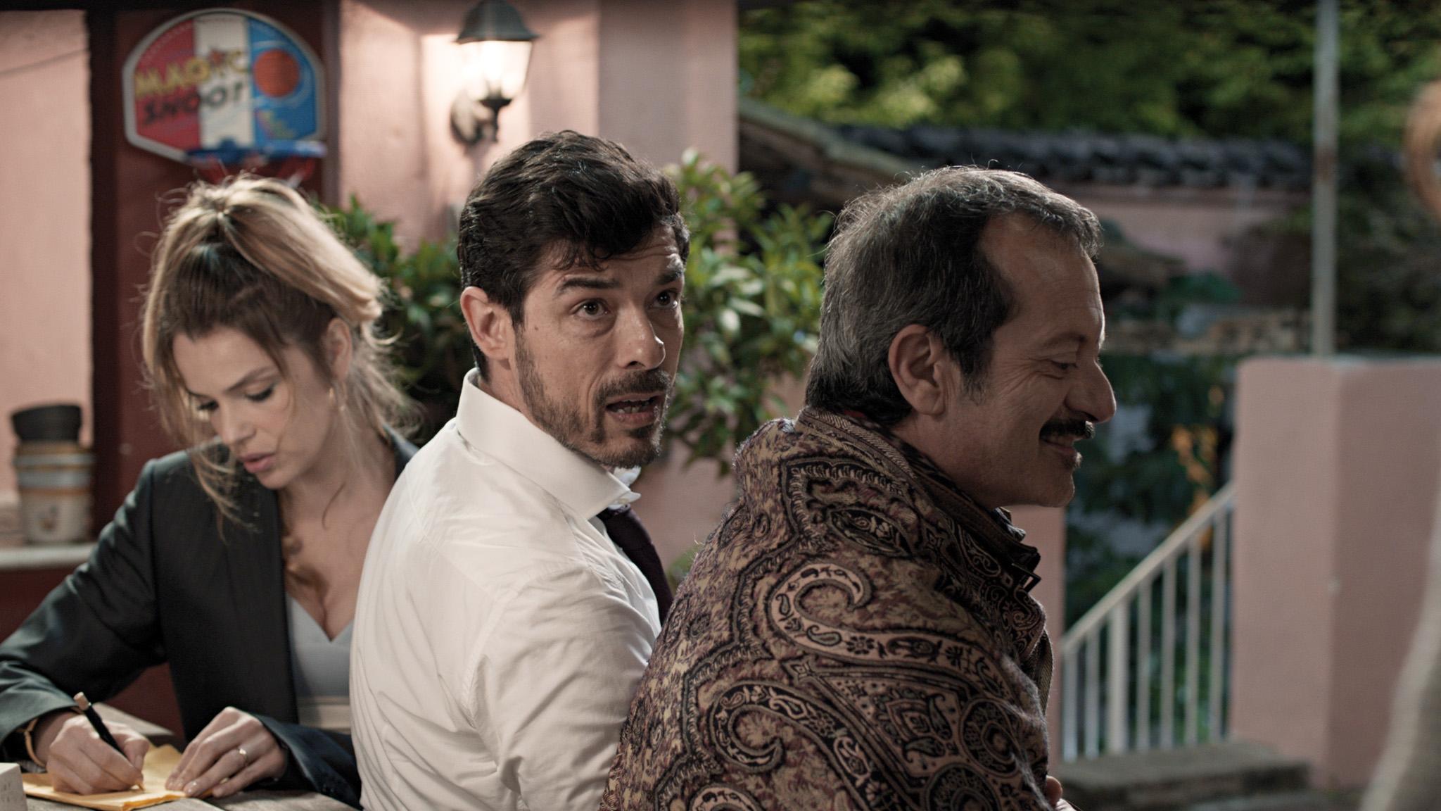 Alessandro Gassmann, Rocco Papaleo, and Micaela Ramazzotti in Il nome del figlio (2015)