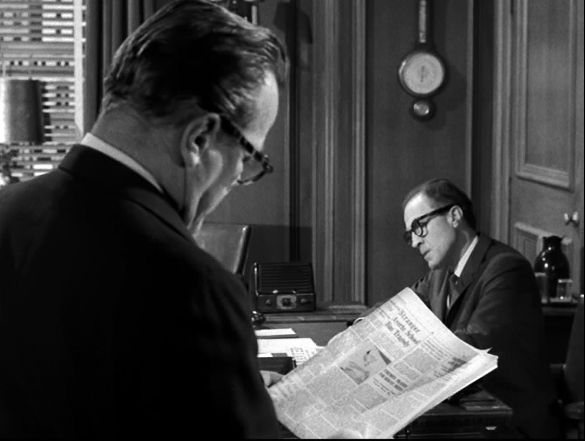 Paul Birch and Barry Morse in The Fugitive (1963)