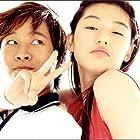 Jun Ji-hyun and Tae-Hyun Cha in Yeopgijeogin geunyeo (2001)
